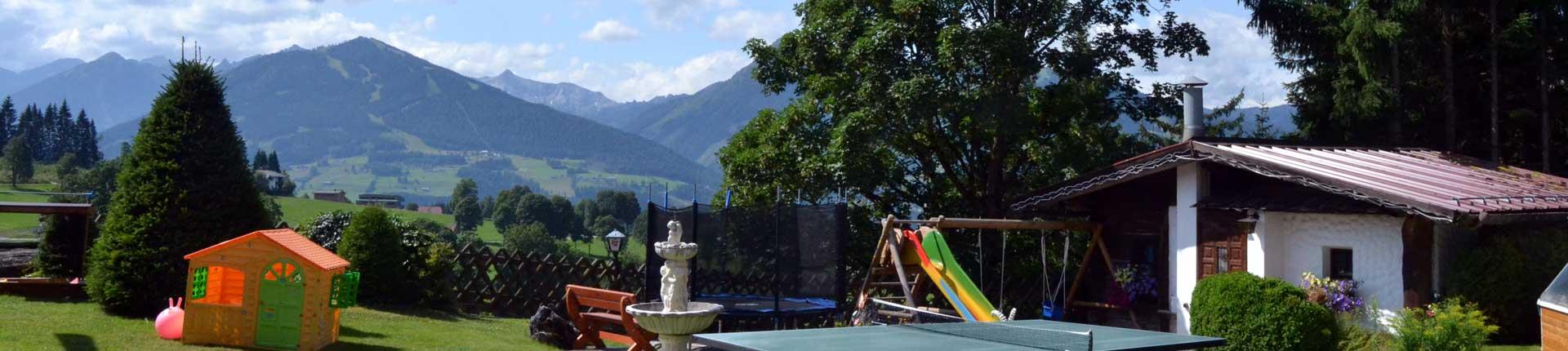 Terrasse und Spielplatz Hotel Ramsauer Alm in Ramsau am Dachstein
